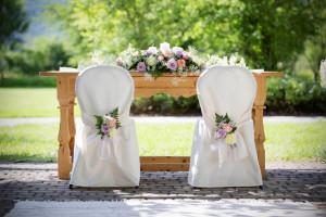 Fokozza az esemény hangulatát székszoknyákkal!